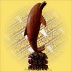 Delfin Szobor Trópusi Fából
