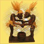 Asmat Harcos (Pápua-Tiki Törzs) Figurával és Hamutartóval B