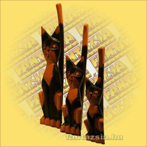 Cica Figura Trópusi Fából 20cm C