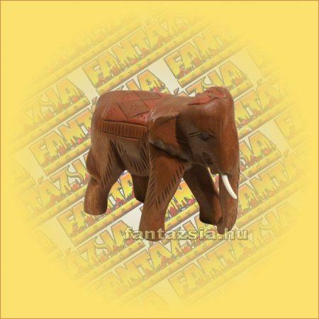 Elefánt Hátán Faragott kicsi