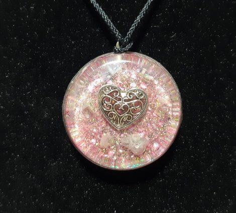 Rózsaszín szív-Orgonit medál