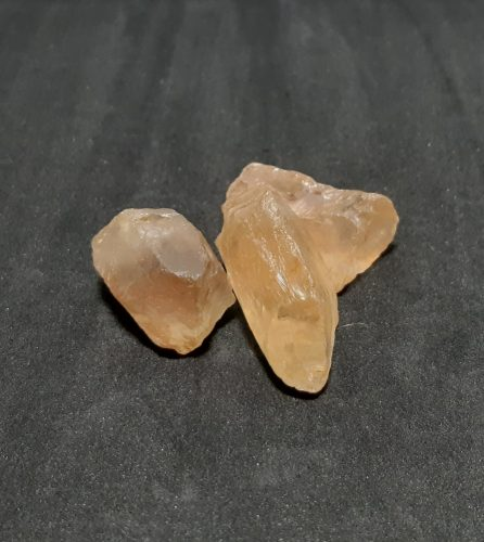 Citrin  sötétebb nyers ásvány