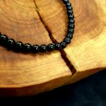 Fekete turmalin karkötő-4 mm